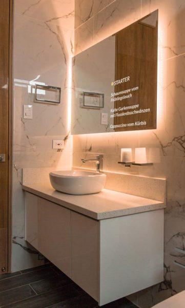smart-mirror-hotel-badezimmer