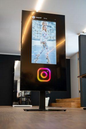 instagram-display